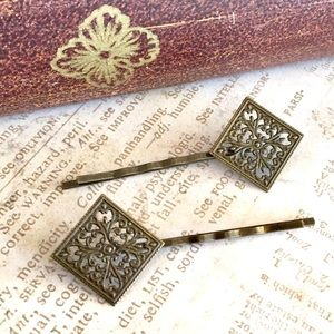 Accessories - Vintage Bronze Square Filigree Bobby Hair Pins